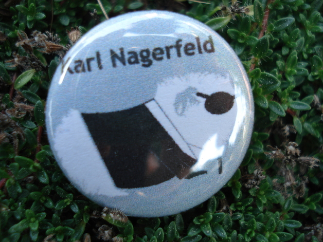 Button_karl-nagerfeld